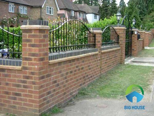 Gạch ốp chân tường rào