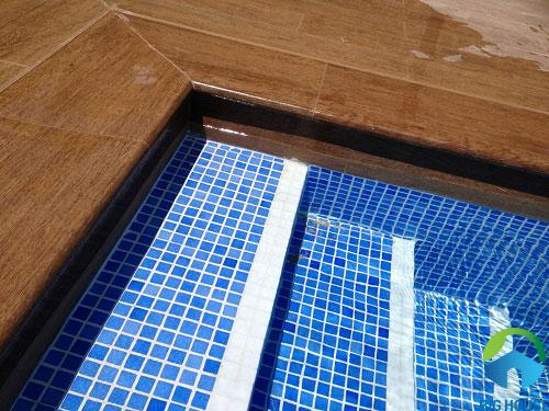 gạch ốp lát bể bơi 22