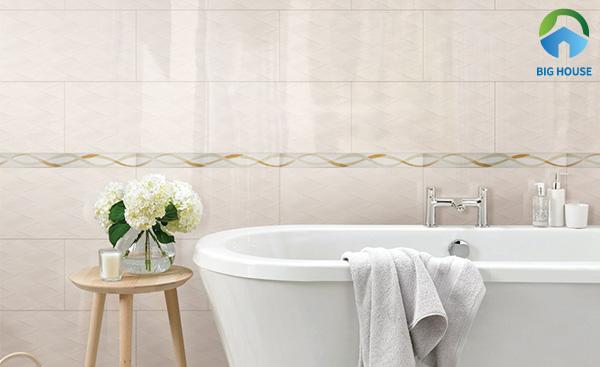 Mẫu gạch ốp tường nhà vệ sinh 300x600 bề mặt men bóng sang trọng