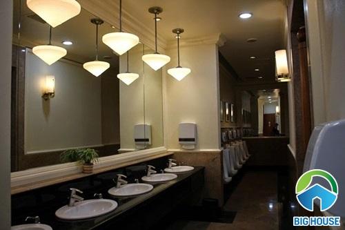 Thiết kế nhà vệ sinh trường học Đẹp – Đạt chuẩn như khách sạn 3 sao