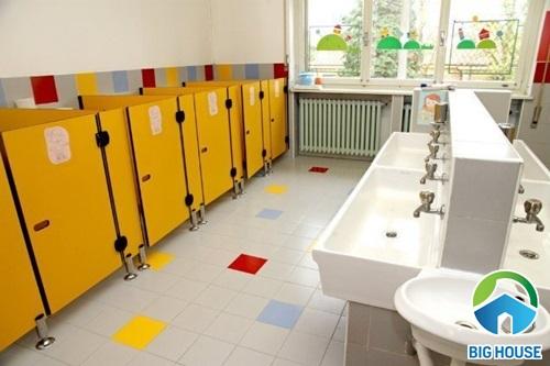 nhà vệ sinh trường học đẹp