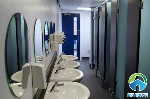 mẫu nhà vệ sinh trường học