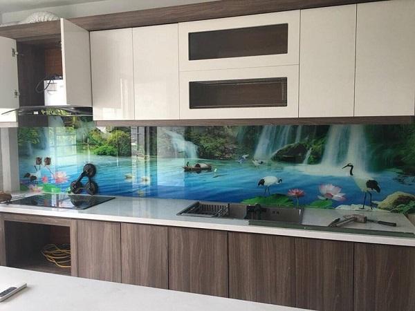 gạch ốp bếp 3d phong cảnh thác nước