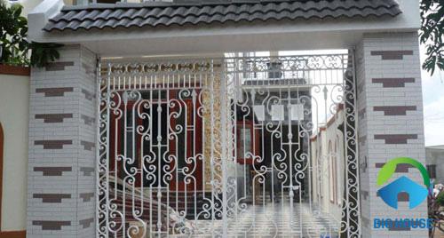 gạch ốp cổng nhà 2