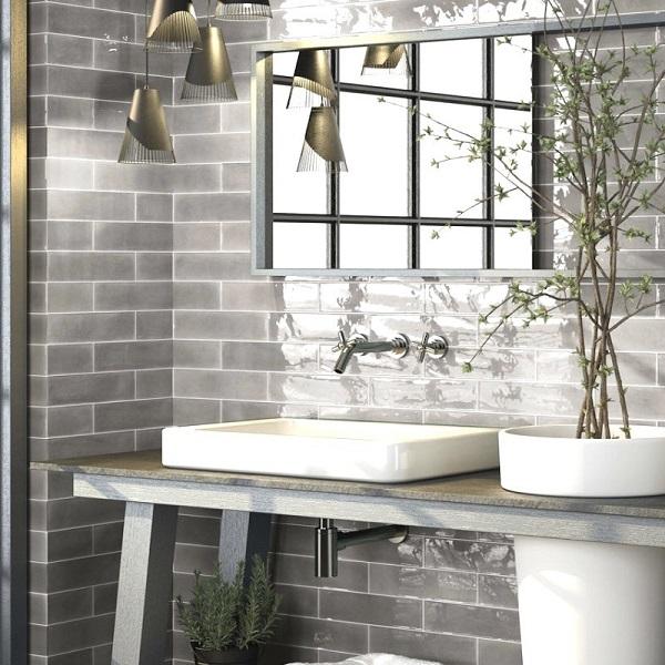Phòng tắm ốp gạch thẻ màu xám lông chuột