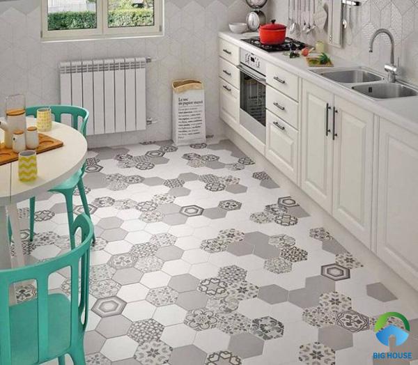 Mẫu gạch bông lục giác lát nền phòng bếp ấn tượng
