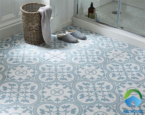 Gạch hoa văn lát nền nhà tắm, bề mặt men mờ chống trơn hiệu quả