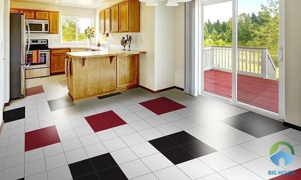 Mẫu gạch lát nền màu đỏ kết hợp cùng gạch màu đen và trắng