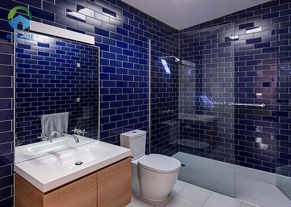 Gạch ốp tường màu xanh dương đậm M1208X cho không gian phòng tắm