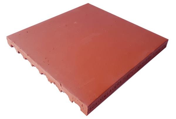 Gạch lá nem chống nóng 400x400 với thiết kế phần chân gạch xẻ rãnh giúp thoát hơi nóng hiệu quả